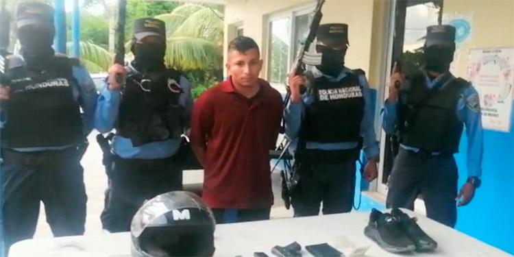 El detenido fue identificado como Ángel Gabriel Montes Flores, residente en el barrio El Paraíso.