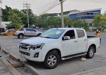 """Las dos personas fueron atacadas a balazos cuando se encontraban en un vehículo, en la avenida """"Juan Pablo"""", en la 14 calle, del barrio """"Medina"""", de San Pedro Sula."""
