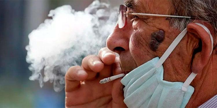 Los expertos indican que la cantidad de fumadores se ha triplicado con un gran número de menores de edad.