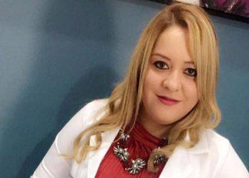 La doctora Karen Tábora atendía a sus pacientes en su clínica Kairos, en el centro de La Entrada, Copán.