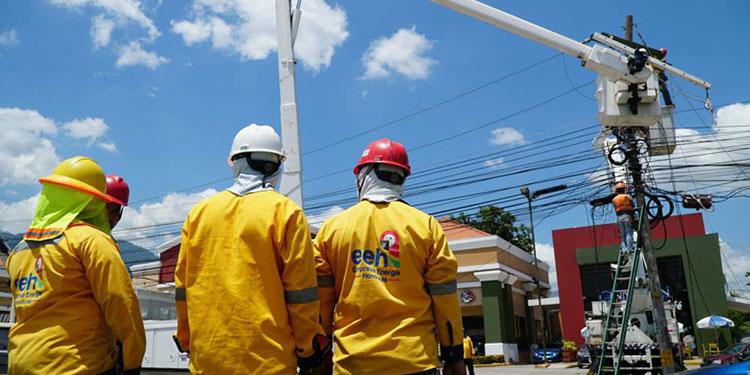 El Estado de Honduras mantiene un contrato con EEH para mejorar el servicio eléctrico a los usuarios.