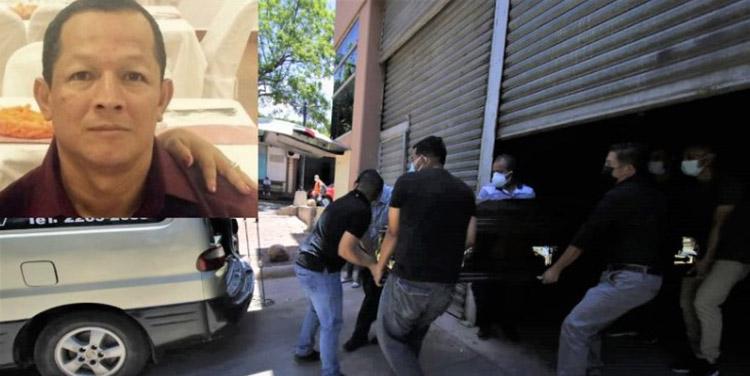 El cadáver de Héctor Geovani Gómez Rodríguez (foto inserta) fue retirado hoy por familiares de la morgue en Tegucigalpa.