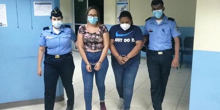A las imputadas se les preparó y remitió expediente investigativo por la comisión de los delitos de estafa y asociación para delinquir en perjuicio de testigo protegido.