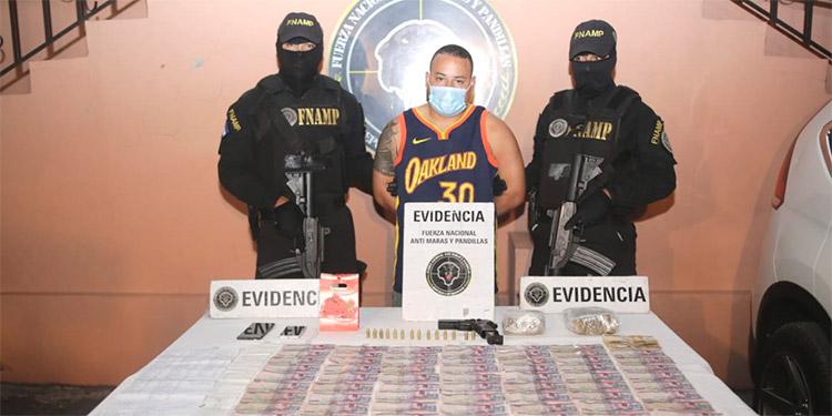 Luis Fernando Cruz Meza es sindicado de administrar el dinero que obtenían producto del cobro de extorsión y la venta de drogas en el sector de El Pedregal y colonias adyacentes.