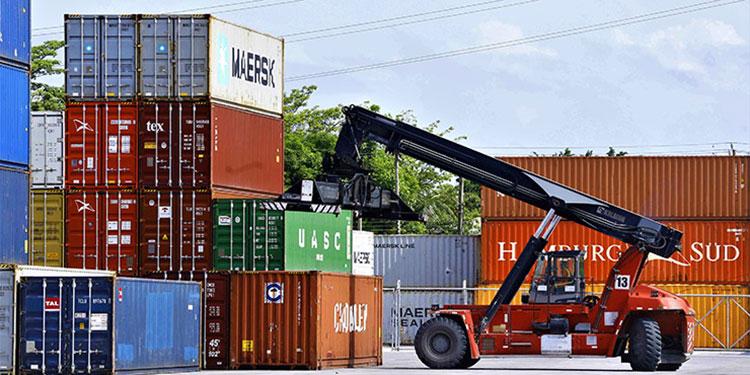Las exportaciones de bienes sumaron $1,295.5 millones con aumentos de $376.7 millones (41%).