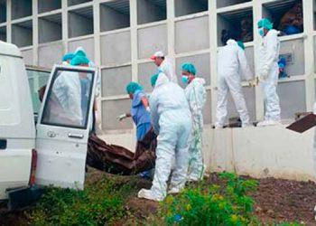 En nichos de un camposanto en la salida a Olancho, se depositan los cuerpos de personas fallecidas sin reclamar en la morgue capitalina.