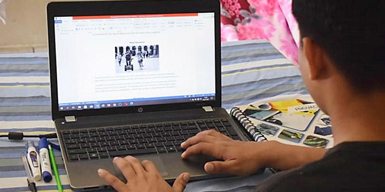 Estudiantes que permanecen más de 10 horas al día conectados en plataformas tecnológicas, son mayormente vulnerables a adicciones.