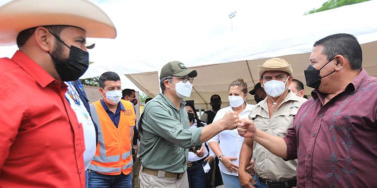 El Presidente Juan Orlando Hernández dialogó con productores de Olancho y les propuso un pacto por la reactivación económica.