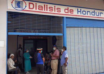Otra situación grave en Juticalpa, Olancho, es que los pacientes renales y de COVID-19 son atendidos en el mismo lugar.