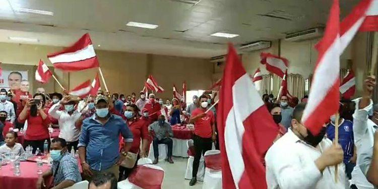 Liberales de los distintos movimientos sellaron su unidad en el departamento de Olancho.