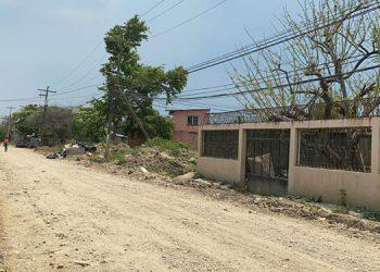 Limpias al 100 por ciento lucen las calles de tres colonias más de La Lima, gracias a la Operación No Están Solos.