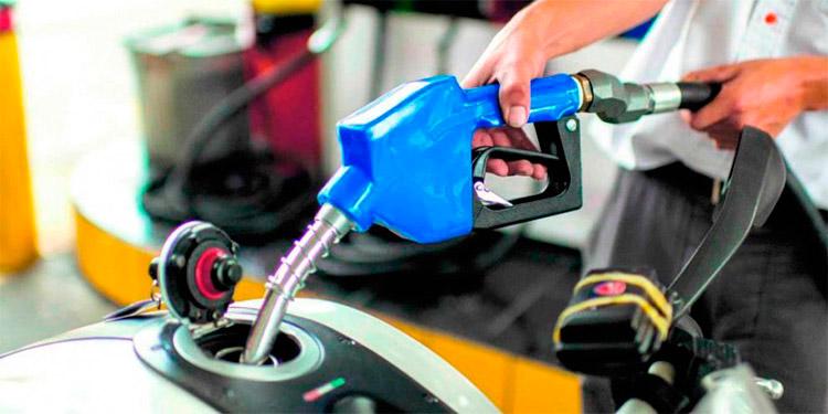 El tema del poder adquisitivo genera debate cada semana con las alzas a los combustibles.