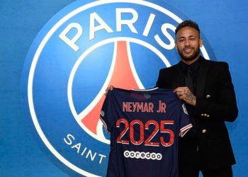 Neymar renovó con el Paris St Germain