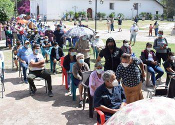Muy ordenados, los pobladores de Ojojona estuvieron pacientes, esperando su oportunidad.