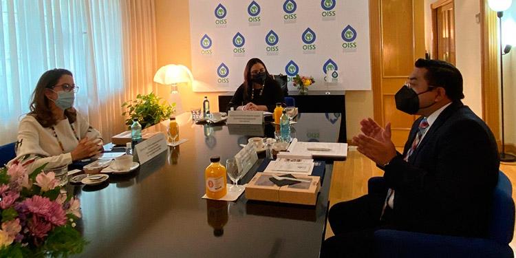 En la reunión con Gina Magnolia Riaño, las autoridades hondureñas abordaron la posibilidad de fortalecer el sistema de seguridad social en el país.