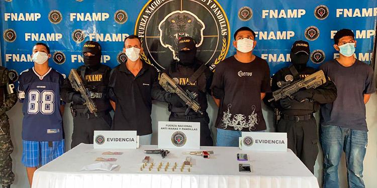 Los cuatro sospechosos fueron remitidos al juzgado por los delitos de extorsión, porte ilegal de arma y asociación para delinquir.
