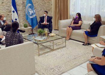 Argueta Pérez junto con Richard Barathe, representante residente del PNUD, acordaron desde marzo coordinar e impulsar líneas de acción en temas de interés para el desarrollo de los servicios de justicia.