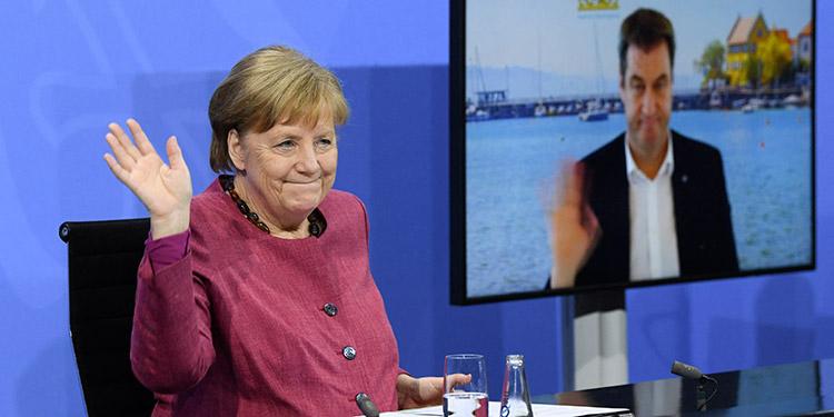 La canciller alemana, Ángela Merkel, llamó a los países del G20 a contribuir al Fondo de Acceso Global para Vacunas COVID-19, Covax. (LASSERFOTO AFP)