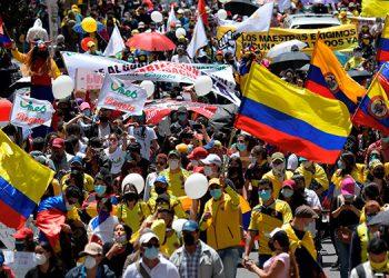 Las calles de las principales ciudades de Colombia se llenaron nuevamente tras 22 días de movilizaciones. (LASSERFOTO AFP)