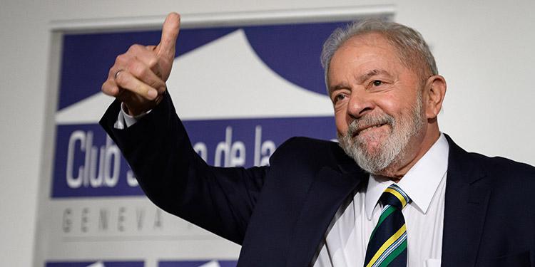 """Luiz Inácio Lula da Silva, aseguró que """"no dudará"""" en presentarse a las elecciones presidenciales de finales de 2022 si es el ·favorito para ganarlas"""" y tiene """"salud"""". (LASSERFOTO AFP)"""