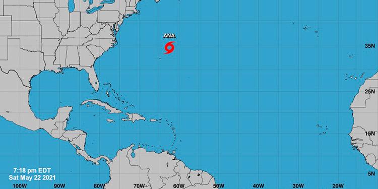 """El Centro Nacional de Huracanes informó de la formación de la primera tormenta del año en la cuenca atlántica, que lleva el nombre de """"Ana"""". (LASSERFOTO AFP)"""