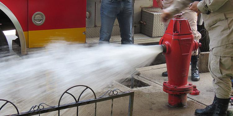 """En caso de emergencia, personal de """"Aguas de Siguatepeque"""" tendrá que cerrar válvulas para enviar agua a los hidrantes existentes en la """"ciudad de los pinares""""."""