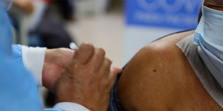 Pacientes que reciben diálisis en fueron vacunados en Siguatepeque, Comayagua.