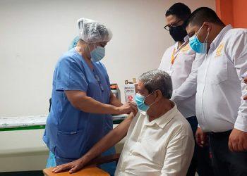 """""""Este proceso es todo un éxito y damos gracias al gobierno y la Secretaría de Salud por el apoyo"""", destacó el presidente del CPH, Osman Reyes."""
