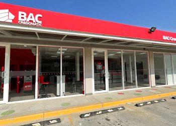 Nueva agencia de BAC Credomatic, ubicada en La Lima City Center, en la calle principal de la Zona Americana, en el deparamento de Cortés.