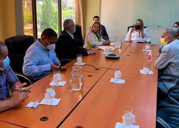 Representantes de 10 partidos políticos emergentes en el Conadeh.