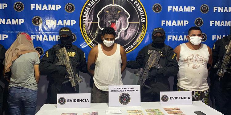 """Andy Ariel Ortiz Hernández (33), alias """"El Abuelo"""" y José Geovanny Zerón Cruz (29), alias """"El Rojo""""."""