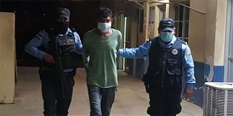 El sujeto fue trasladado a una sede policial, desde donde será remitido ante la instancia judicial que ordenó su captura.