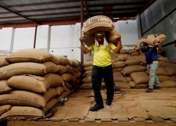 El saco de café a junio ayer se cotizó en 147 dólares en la bolsa de valores estadounidenses.