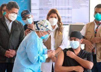 La normalización económica dependerá de la rapidez en controlar el virus con vacunaciones masivas, sugieren los tecnócratas del GBM.