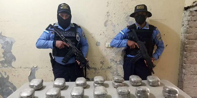 La droga fue embalada posteriormente y remitida ante las autoridades del Ministerio Público.