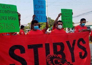Los manifestantes corearon consignas diversas durante el desarrollo de la marcha.