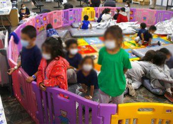 En marzo se reportaron casi 19.000 niños cruzando solos o sin un adulto la frontera entre México y Estados Unidos. AP