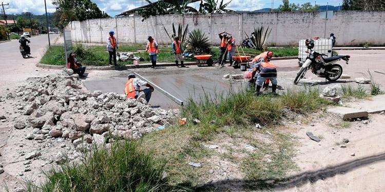 Las pastillas de concreto en el sector del estadio municipal se encontraban en mal estado.