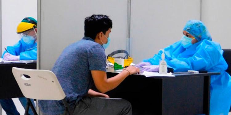 Médicos insisten el uso de medidas de bioseguridad aún con la aplicación de la vacuna.