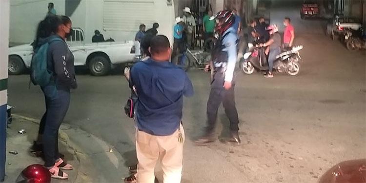 Delincuentes en motocicleta han perpetrado una serie de asaltos en los últimos tiempos en Danlí, El Paraَíso, como anoche en el barrio Tierra Blanca.