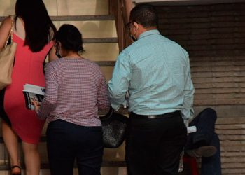 La Fiscalía ratificó los delitos contra los dos encausados, y hoy se comenzaría con la evacuación de los medios probatorios de cargo.