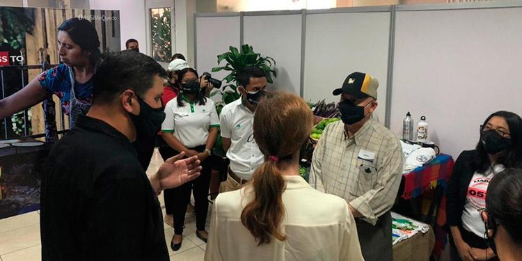 La administradora de USAID se entrevistó con el director de FUNDER.