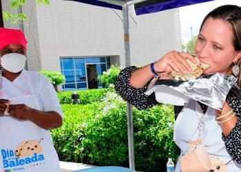 Las autoridades de la Secretaría de Turismo comenzaron a celebrar el Día de la Baleada desde ayer en el Centro Cívico Gubernamental.