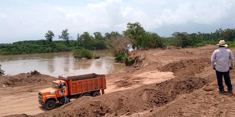 De seguir a este ritmo, la obra finalizaría, antes de la nueva temporada de lluvias de este año, estiman encargados.