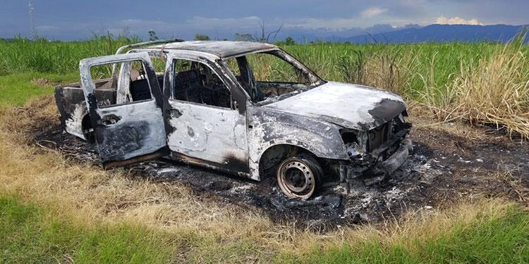 Familiares confirmaron que el automóvil doble cabina que hallaron quemado en unas cañeras de San Manuel, departamento de Cortés es el de Sullivan.