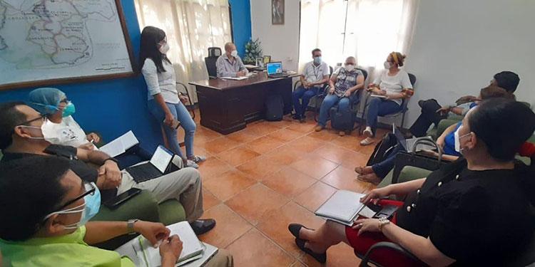 El alcalde Quintín Soriano y su equipo de trabajo se reunieron con autoridades de la Región Departamental de Salud de Choluteca.