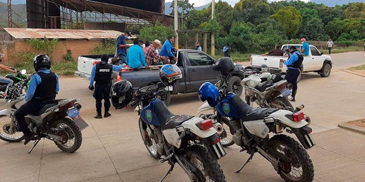 Las tareas de seguridad ciudadana en Danlí y otras ciudades del departamento de El Paraíso incluyen retenes y puestos de control, entre otras acciones.