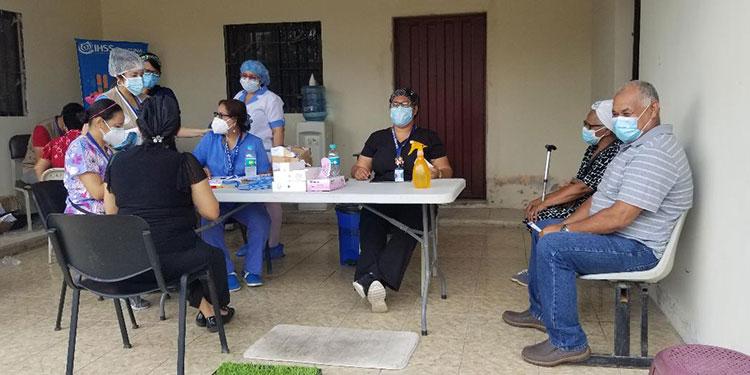 El Seguro Social en Danlí debe cubrir 18 mil afiliados en los meses de junio y julio con la primera dosis de la vacuna anticovid.