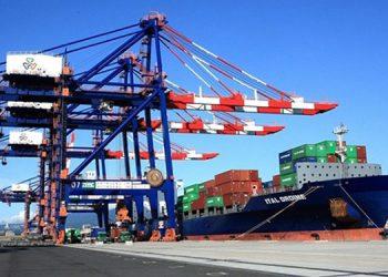 El informe de comercio exterior resalta un alza de 27.6% en las importaciones y de 7.3% en las exportaciones.