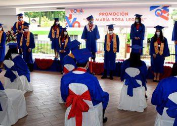 """Con su lema """"Like Never Before"""" los muchachos celebraron su graduación."""